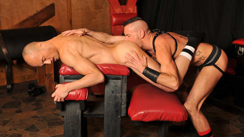 Bareback Big Guns: Jayson Park & Dick Disco