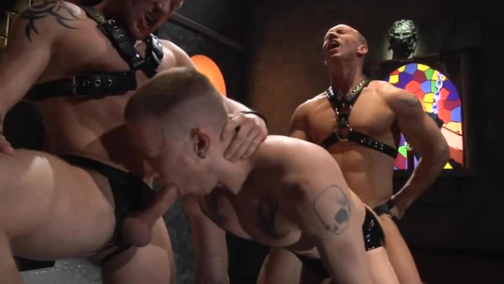 Leather Threesome – Part 1
