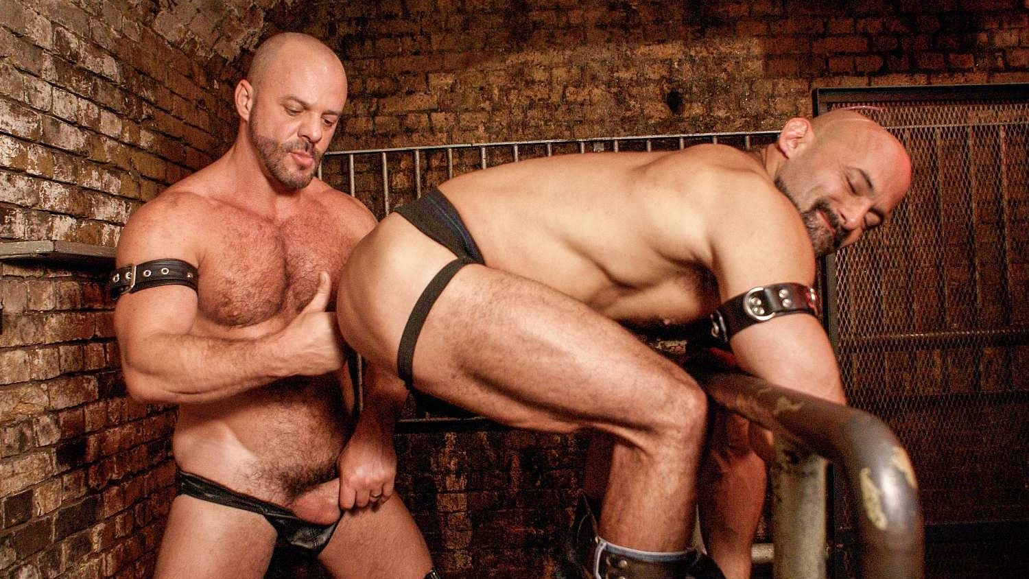 Leather Sex: Rocky Torrez and Carlo Cox
