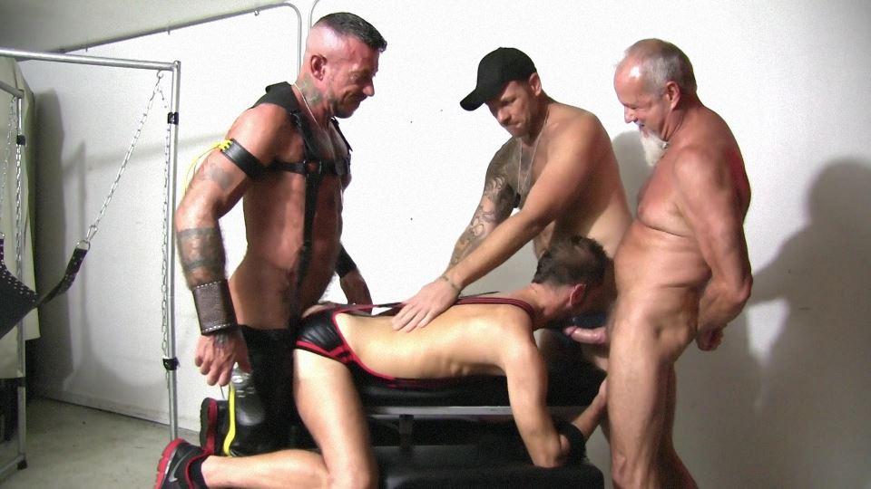 Foursome Barebacking Leather Sex Orgy